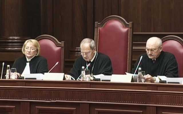 КС запретил допрашивать адвокатов без постановления суда