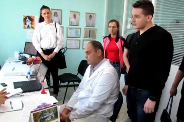 Лжемедики под руководством судимого иностранца «развели» пациентов на миллиард рублей
