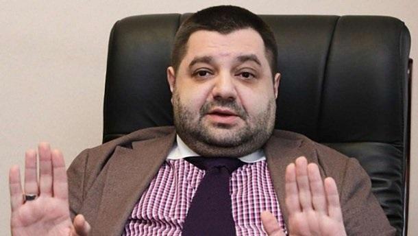 Смотрящий за судами Грановский имеет гражданство нескольких стран и готовится бежать?