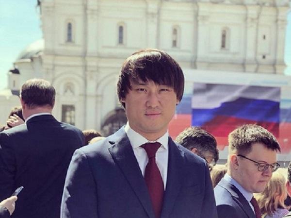 Второй Зеленский: экс-квнщика Сангаджи Тарбаева выдвинули в Совфед