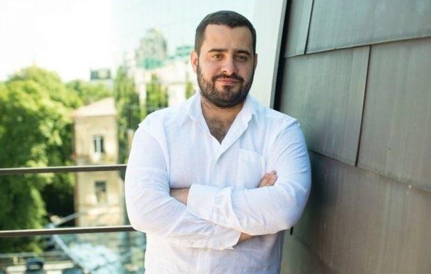 Новый вид рейдерства: чем «прославился» чиновник Минюста Андрей Довбенко